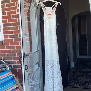 NWT Beautiful Lace Maxi Dress